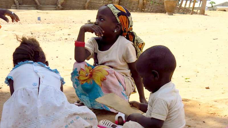 Stifte für die Schulen in Gambia