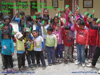 Malstifte, Kugelschreiber und Papier für Kinder sammeln und spenden