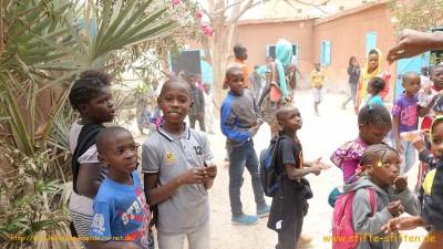 waisenhausschule in mauretanien erh lt stifte aus deutschland stifte stiften. Black Bedroom Furniture Sets. Home Design Ideas