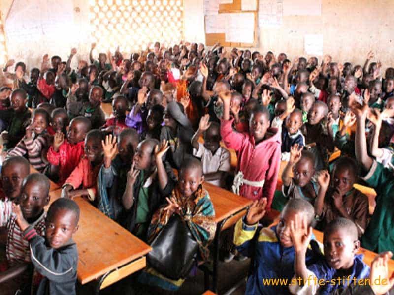 Stifte für Kinder und Schulen in Malawi