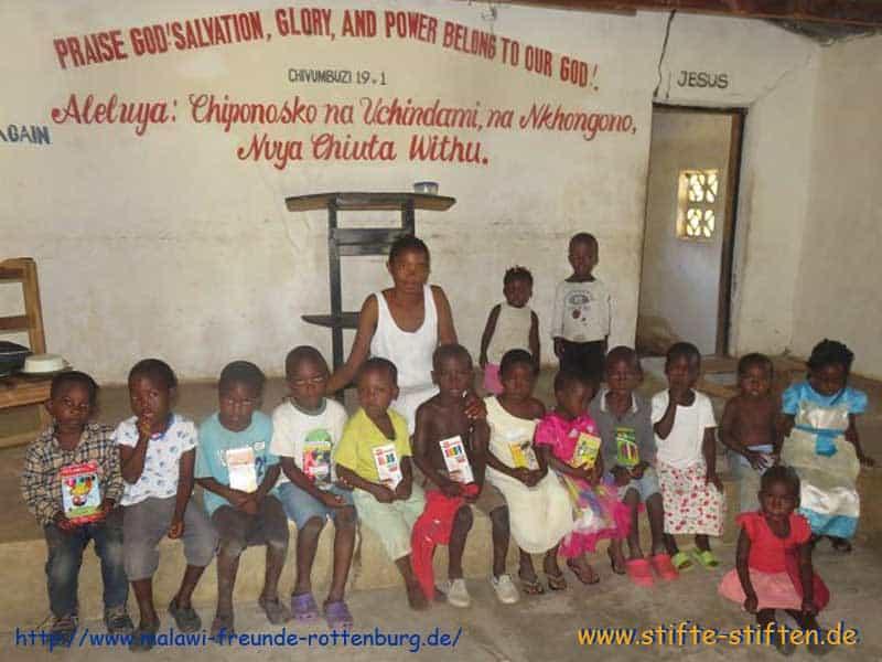 Stifte für Waisenkinder in Malawi