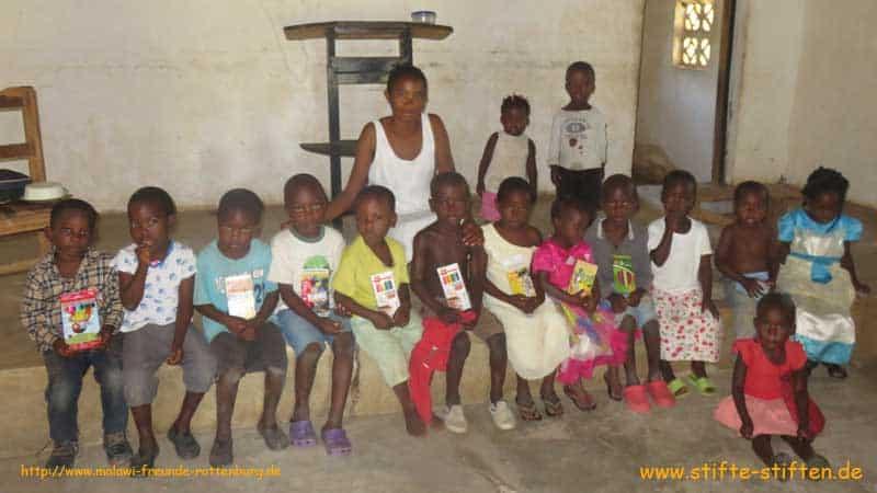 Eure Stifte kommen in Malawi an